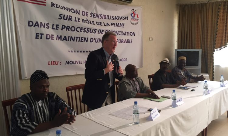 Ambassadeur David Gilmour lors de son intervention